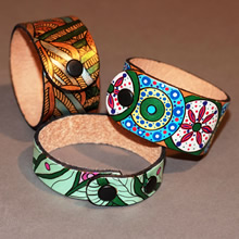 bracelets-painting-on-leather