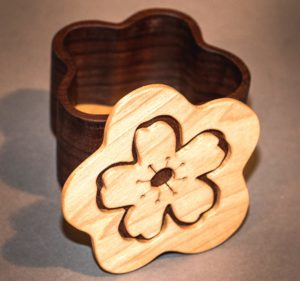 Little Scroll Saw Box_Maria Lai